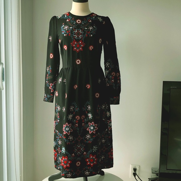 Zara black dress with stylish color embroidered
